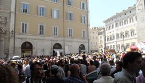 piazza-roma-manifestanti-abruzzo